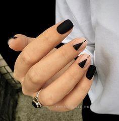 Matte Black Nails, Black Nail Art, Minimalist Nails, Black Nail Designs, Nail Art Designs, Blog Designs, Cute Nails, Pretty Nails, Nails Inspiration