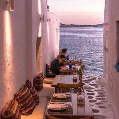 Chora Town,MYKONOS island (Στην Χώρα στο νησί της Μυκόνου των Κυκλάδων), CYCLADES islands group - GREECE/ by @stef_greece⠀