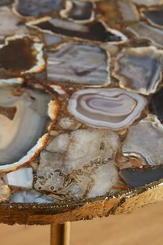 A look at agate home accessories a hot design trend. Here are ideas to rock your style with agate. Boho Decor Diy, Dining Furniture, Home Furniture, Furniture Ideas, Resin Furniture, Dream Furniture, Modern Furniture, Furniture Design, Deco Zen