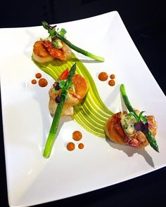 "375 Me gusta, 13 comentarios - Rich Knott (@chefrichardknott) en Instagram: ""Seared Scallops, Shrimp, Jumbo Lump Crab, Asparagus and Charred Carrot Purées #foodandwine…"""