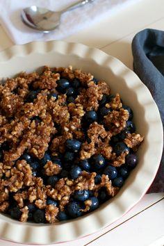 spiced blueberry cobbler (raw food recipe) | Lisa Hjalt
