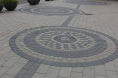 Klassikkokivien suorakaide, neliö ja kaarrekivillä voi  rakentaa ympyröitä. Mielenkiintoisia kuvioita syntyy käyttämällä kivien eri sävyjä.