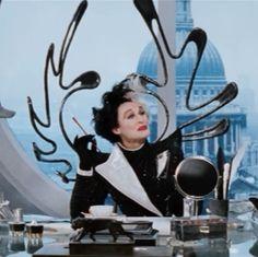 """Glenn Close as Cruella De'Vil, Dalmatians"""" Female Villains, Disney Villains, Disney Movies, Glenn Close, All About Fashion, World Of Fashion, 101 Dalmatians Movie, Cruella Costume, Friends In Low Places"""