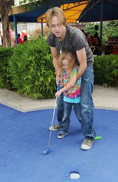 Dannielynn Birkhead - Britax And Baby Buggy Host Pre-Father's Day Mini Golf Open To Celebrate The Summer Launch Of The Britax Baby Carrier