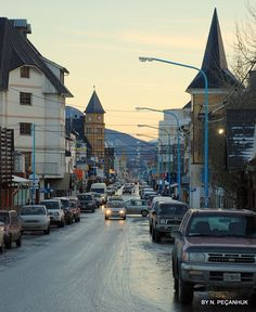calle en Ushuaia - Tierra del fuego Ushuaia, Argentina Culture, Visit Argentina, Bolivia Travel, Continents, Places To Visit, Around The Worlds, Explore, Wanderlust