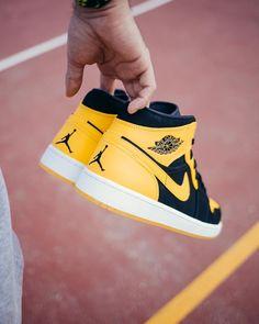 #men's #male's #sneakers  #Yellow #shoes  #casual shoes #favorite #design #fashion #ideas #style #cool #footwear Jordan Retro 1, Jordan 1, Baby Boy Nike, Baby Boy Shoes, Ankle Sneakers, Sneakers Nike, Hypebeast, Adidas, Zapatillas Jordan Retro