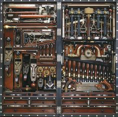 The Studley Tool Chest. Master craftsman Henry O. Studley was an organ and piano maker, carpenter, and mason. He is best known for building this incredible tool chest. But then I couldn't buy anymore tools! Antique Tools, Old Tools, Vintage Tools, Woodworking Shop, Woodworking Plans, Woodworking Projects, Carpentry Tools, Green Woodworking, Woodworking Magazines
