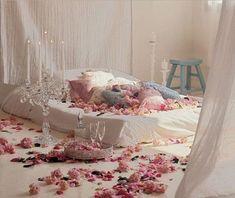 déco Saint Valentin chambre avec matelas par terre