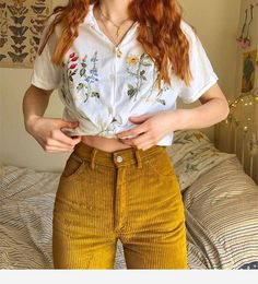 Ootd 🌷🌻🌼💐 Source by hairtolashbydenise Vintage outfits Vintage Outfits, Retro Outfits, Casual Outfits, Vintage Fashion, Vintage Pants, Retro Fashion, 80s Style Outfits, Hipster Outfits, Look Fashion