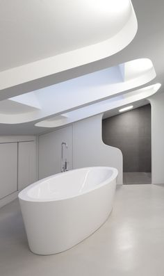 ♂ Contemporary residential interior design White Minimalist bathroom Ols House / J. Mayer H. Architects