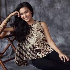Blouse Batik, Batik Dress, Blouse Dress, Batik Kebaya, Batik Fashion, Batik Pattern, Evening Dresses For Weddings, Festival Outfits, Maternity Dresses