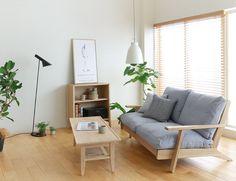 STYLING No.87 「シンプル&ナチュラル」をコンセプトにした、温かみのあるリビングシーン|Re:CENO INTERIOR STYLING BOOK Japanese Home Decor, Japanese Interior, Living Room Designs, Living Room Decor, Bedroom Decor, Muji Home, Home Building Design, Minimalist Home Decor, Home Decor Inspiration