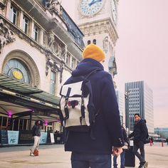 Kjøre Project's Survey Evolution Backpack a la gare du Lyon.✌️#kjoreproject #love #ice #canvas #handmade #newzealand #evolution #leather #amazing @kjoreproject