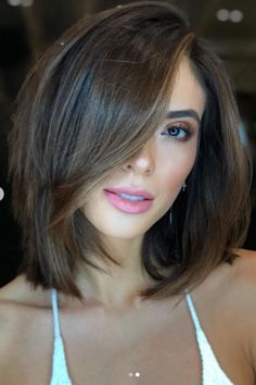 New hair cuts short bobs texture lob haircut 70 Ideas Long Bob Haircuts, Hairstyles Haircuts, Medium To Short Hairstyles, Teenage Hairstyles, Black Hairstyles, Short Hairstyles With Highlights, Med Haircuts, Brown Bob With Highlights, Round Face Haircuts Medium