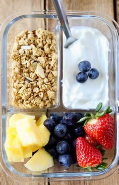 Ideas for Breakfast: 13 Quick & Healthy Meals Breakfast Meal Prep Fruit and Yogurt Bistro Box. Meal Prep Ideas for Breakfast: 13 Quick & Healthy MealsBreakfast Meal Prep Fruit and Yogurt Bistro Box. Meal Prep Ideas for Breakfast: 13 Quick & Healthy Meals Healthy Breakfast Meal Prep, Quick Healthy Meals, Lunch Meal Prep, Meal Prep Bowls, Easy Meal Prep, Healthy Snacks, Healthy Recipes, Breakfast Fruit, Breakfast Ideas