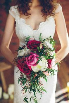 48 Bohemian Wedding Bouquets That Are Totally Chic ♥ Bohemian wedding bouquets are full of whimsical details, wild flowers and feathers. This inspiration gallery is sure to create a amazing vibe. #wedding #bride #weddingbouquet #bohemianweddingbouquets Peony Bouquet Wedding, Bridal Bouquet Fall, Bride Bouquets, Purple Bouquets, Bouquet Flowers, Bridesmaid Bouquet, Trailing Bouquet, Bridesmaids, Ranunculus Bouquet