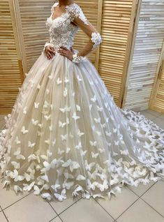 Lace Ball Gown Wedding Dress Vintage Lace Applique Handmade Butterfly Chapel Train V Neck Bridal Gowns with Long Sleeves Custom Made 2017 Informal Wedding Dresses, Country Wedding Dresses, Long Wedding Dresses, Long Sleeve Wedding, Wedding Dress Styles, Bridal Dresses, Butterfly Wedding Dress, Applique Wedding Dress, Lace Applique