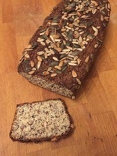 Fees Low Carb Brot mit Leinsamen, ein schönes Rezept aus der Kategorie Backen. Bewertungen: 3. Durchschnitt: Ø 2,8.