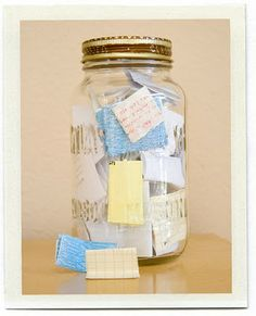 The idea for this little mason jar is to add memories throughout the year and then read them with your family/friends on New Year's Eve.