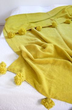 Large Moroccan POM POM Wool Blanket  Chartreuse by lacasadecoto, €148.00