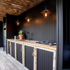 37 Beautiful Modern Outdoor Kitchen Design Ideas - An ever-increasing number of folks love the look, utility, and convenience of an outdoor kitchen space. Professional home improvement contractors can . Modern Outdoor Kitchen, Outdoor Kitchen Cabinets, Outdoor Dining, Outdoor Bars, Outdoor Kitchens, Home Improvement Contractors, Garden Yard Ideas, Küchen Design, Design Ideas