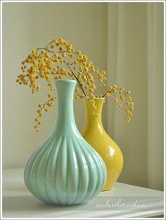 www.ushiilandia.blogspot.com Soooo minty, soooo good :), beautiful vases