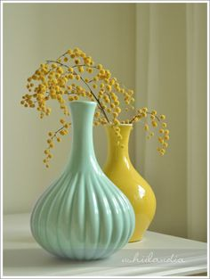 www.ushiilandia.blogspot.com Soooo minty, soooo good :), beautiful vases