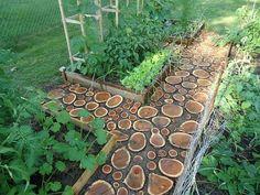 baldosas con tronco de madera en rodajas desiguales