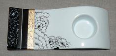 Plat Lotus noir et blanc - Photo de 1. NOUVEAUTES - Carnet de Porcelaine