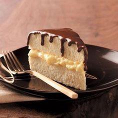 Της Βαρβάρας Μελιδώνη    Για το κέικ: Σε ένα μπολ ρίχνουμε το Flora, το μέλι και τους κρόκους και ανακατεύουμε με ένα σύρμα. Στη συνέχεια...