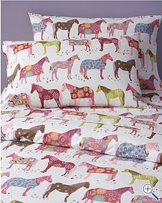 Our painted ponies sheets stand out from the crowd. Made to last, our 200 thread count long-staple combed-cotton painted ponies percale bedding is renowned for its soft feel. Cute Girls Bedrooms, Little Girl Rooms, Equestrian Decor, Equestrian Style, Horse Treats, Girl Bedroom Designs, Painted Pony, Pony Party, Horse Art