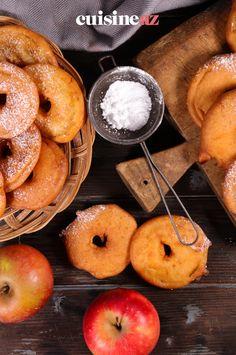 C'est facile de préparer des beignets aux pommes pour le goûter par exemple ! #recette#cuisine#beignet#pomme #gouter Beignets, C'est Bon, Peach, Fruit, Food, Apple Doughnut, Essen, Peaches, Meals