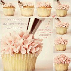 Flower cupcake icing