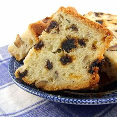 Bacon Cheddar quick bread with dried pears...sounds interesting ...