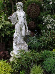 Garden Sculpture, Decorating, Antiques, Outdoor Decor, Home Decor, Luxury, Figurines, Sculptures, Decor