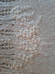 Lace Knitting, Crochet Shawl, Knitting Stitches, Crochet Lace, Crochet Girls, Knitting Designs, Dressmaking, Hand Embroidery, Needlework