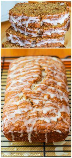 Easy Cinnamon Swirl Banana Bread - a recipe for all of you who love banana bread and warm, gooey cinnamon rolls!