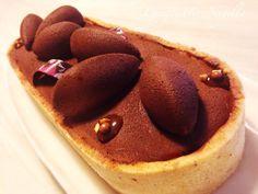Crostata contrasto dolcesale con mousse al cioccolato caramellato Mini Foods, Nigella, Biscotti, Food Art, Sweet Recipes, Catering, Mousse, Pie, Sweets