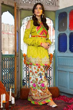 Pakistani Dresses Casual, Indian Fashion Dresses, Pakistani Dress Design, Pakistani Clothing, Hijab Fashion, Women's Fashion, Fashion Design, Kurti Designs Party Wear, Kurta Designs