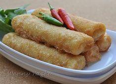 Sosis Solo Ayam Original Receipe by Sahak Pribadi Bahan isi : 300 gr ayam giling (Wenny pake 400 gr) 2 buah bawang merah, haluskan 1 buah b...
