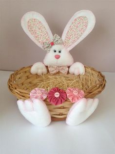 Baby's First Easter Basket, Easter Baskets, Easter Bunny, Easter Eggs, Henna Candles, Clay Ornaments, Foam Crafts, Diy Home Crafts, Easter Party