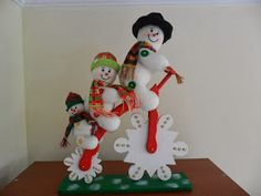 içimdeki yolculuk: kardan adam dikelim Christmas Snowman, Christmas Stockings, Christmas Holidays, Christmas Decorations, Xmas, Christmas Ornaments, Holiday Decor, Barbie, Elf