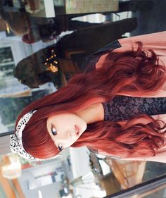 this hair color and wave and length!! <3