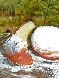 Reteta Gogosi pufoase cu unt - Dulciuri Unt, Something Sweet, Camembert Cheese, Dairy, Sweets, Cooking, Food, Kitchen, Gummi Candy