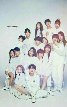 Bts Twice, Twice Kpop, Foto Bts, Bts Photo, Bts Taehyung, Bts Jimin, Kpop Girl Groups, Boy Groups, Couple Graduation Pictures