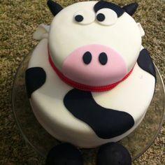 Cow cake (farm birthday party)