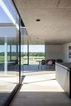 TOOP Architectuur arranges timber and concrete house around a recessed patio Vernacular Architecture, Residential Architecture, Contemporary Architecture, Architecture Details, Interior Architecture, Patio Interior, Spanish House, House Goals, House In The Woods