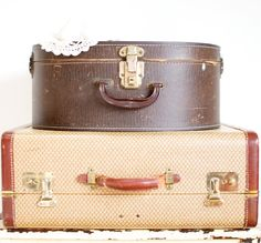 Vintage hat Box / Suitcases