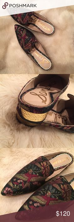 🔮HP🔮 Sam Edelman Mules Beautiful slip-one with gold heels, very lightly used. Sam Edelman Shoes Mules & Clogs