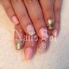 Nails #pinknails sweet flower gold